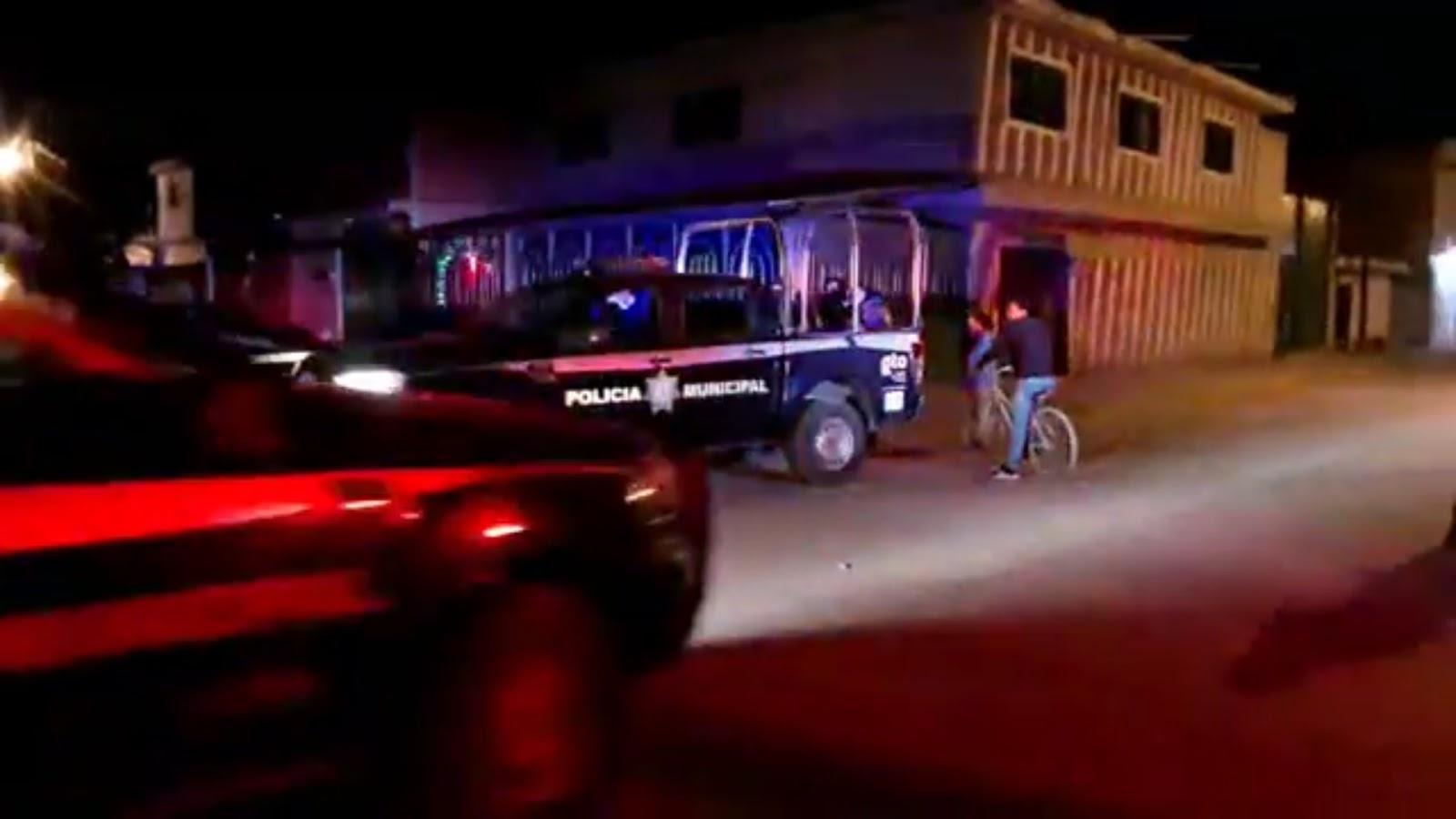 En Celaya Sicarios llegan en 2 coches y ejecutan a 4 personas en la vía pública