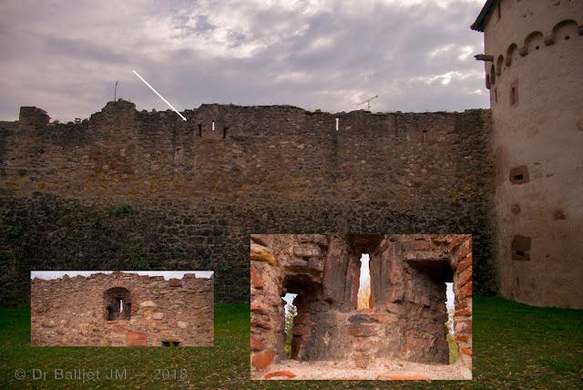 Fortifications de Bergheim (Alsace). Front nord - Muraille agrémentée d'embrasures triples