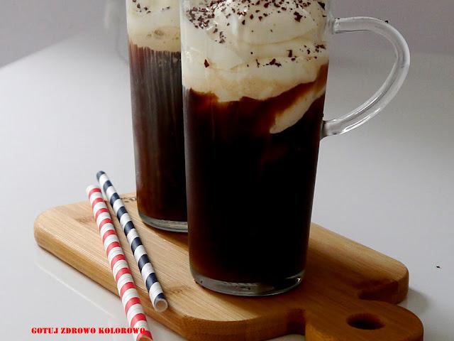 Kawa mrożona bez mleka - Cafe frappe - Czytaj więcej »