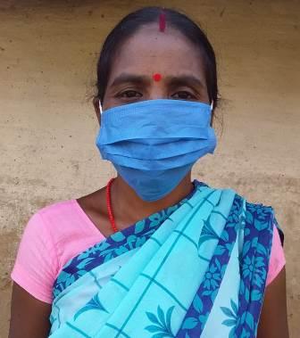 कोविड-19 के तीसरे लहर से बचने के लिए आशा कार्यकर्ता निभा रही हैं अहम् भूमिका
