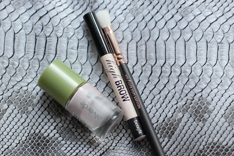 Beauty-MakeUp-Routine-Beauty Post-Blogger-Blog-Fashion-Mode-Modeblog-Fashionblog-Muenchen-Munich-Kosmetik-Benefit-Bare Minerals-Essence-Kiko-Zoeva-Alltags-Make-Up-Modeprinzesschen-Lauralamode
