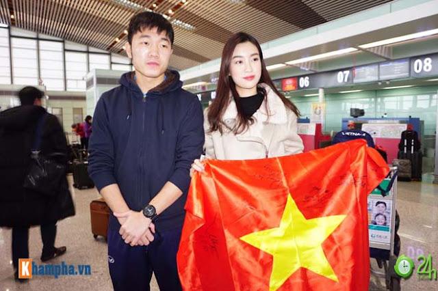 Trực tiếp U23 Việt Nam về nước ngày 28/1: Ảnh mới nhất trên chuyên cơ bay về Nội Bài 9