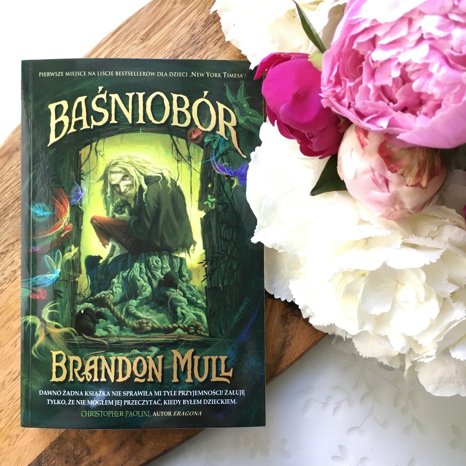 Brandon Mull i jego Baśniobór oraz moje wrażenia po lekturze.