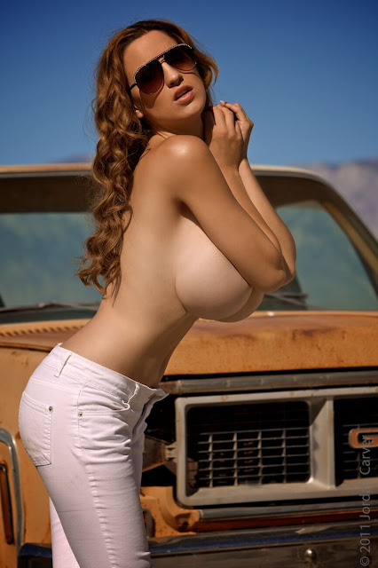 Jordan-Carver-nude-tits-photoshoot-car-dump-image-20
