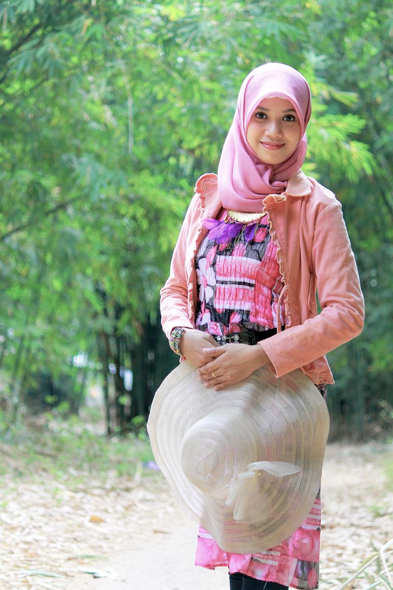 Jasa hunting Foto model gratis Makassar cewek manis mata indah