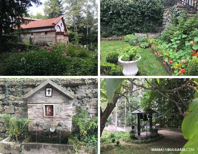 """Jardín del monasterio de Dragalevtsi """"Santa Virgen María de Vitosha"""""""