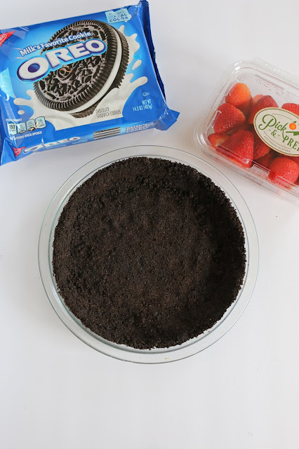 A Recipe for a Homemade OREO Cookie Crust