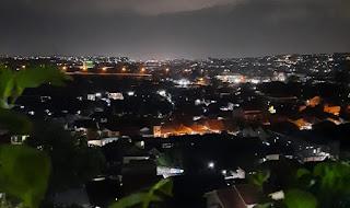 Pemandangan malam hari di Gua Maria Sartika Semarang