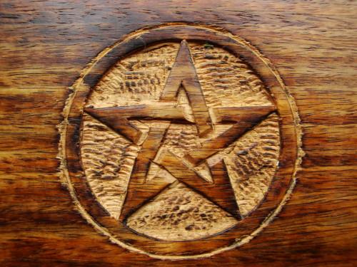 Simbol-Simbol Pagan dan Wiccan yang Ajaib