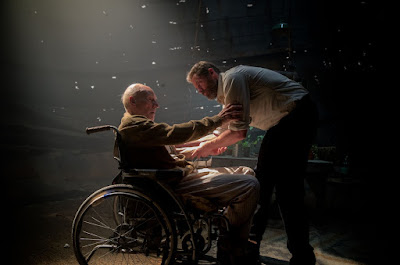Patrick Stewart and Hugh Jackman in Logan Movie (31)