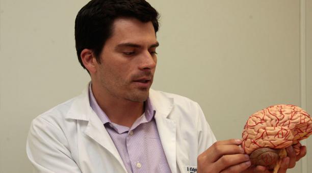 Cuidados neurocríticos, en un simposio en la USFQ