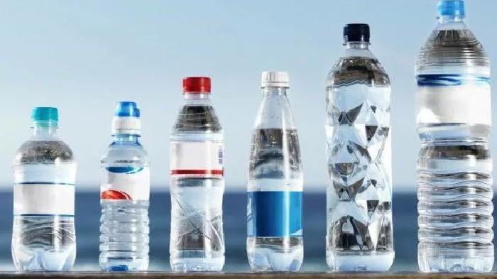 Begini Bahaya Minum Air Kemasan yang Terpapar Panas