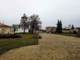 Прилуки. Площа Володимира Мономаха