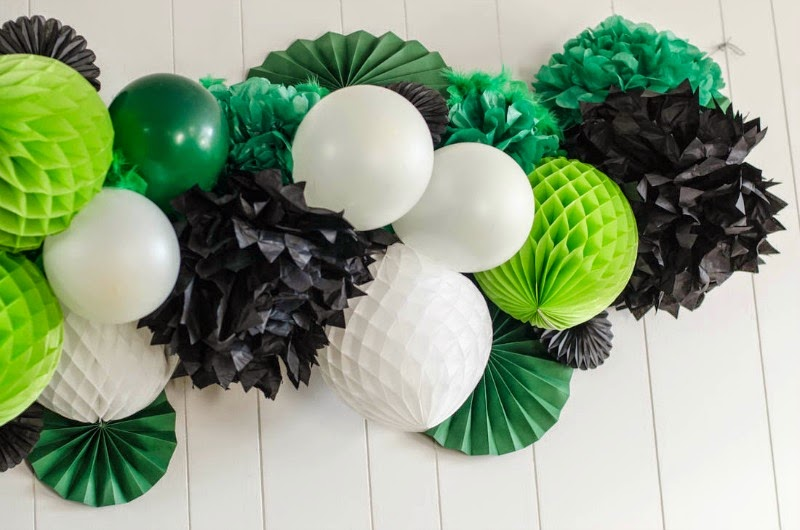 St. Patrick's Day Blogger Party - Giant Honeycomb Garland