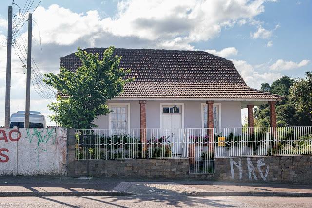 Casa na Avenida Anita Garibaldi - vista da fachada principal