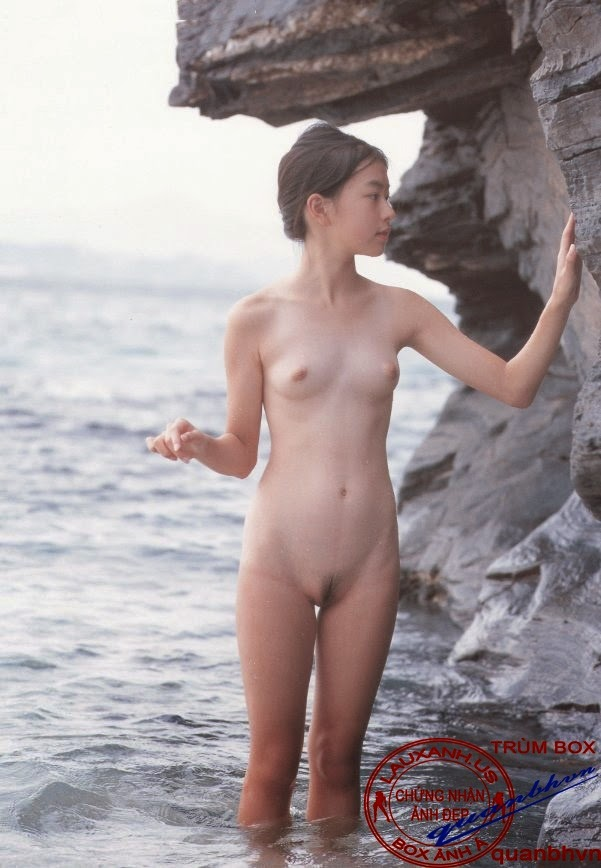 Young latin nude girl
