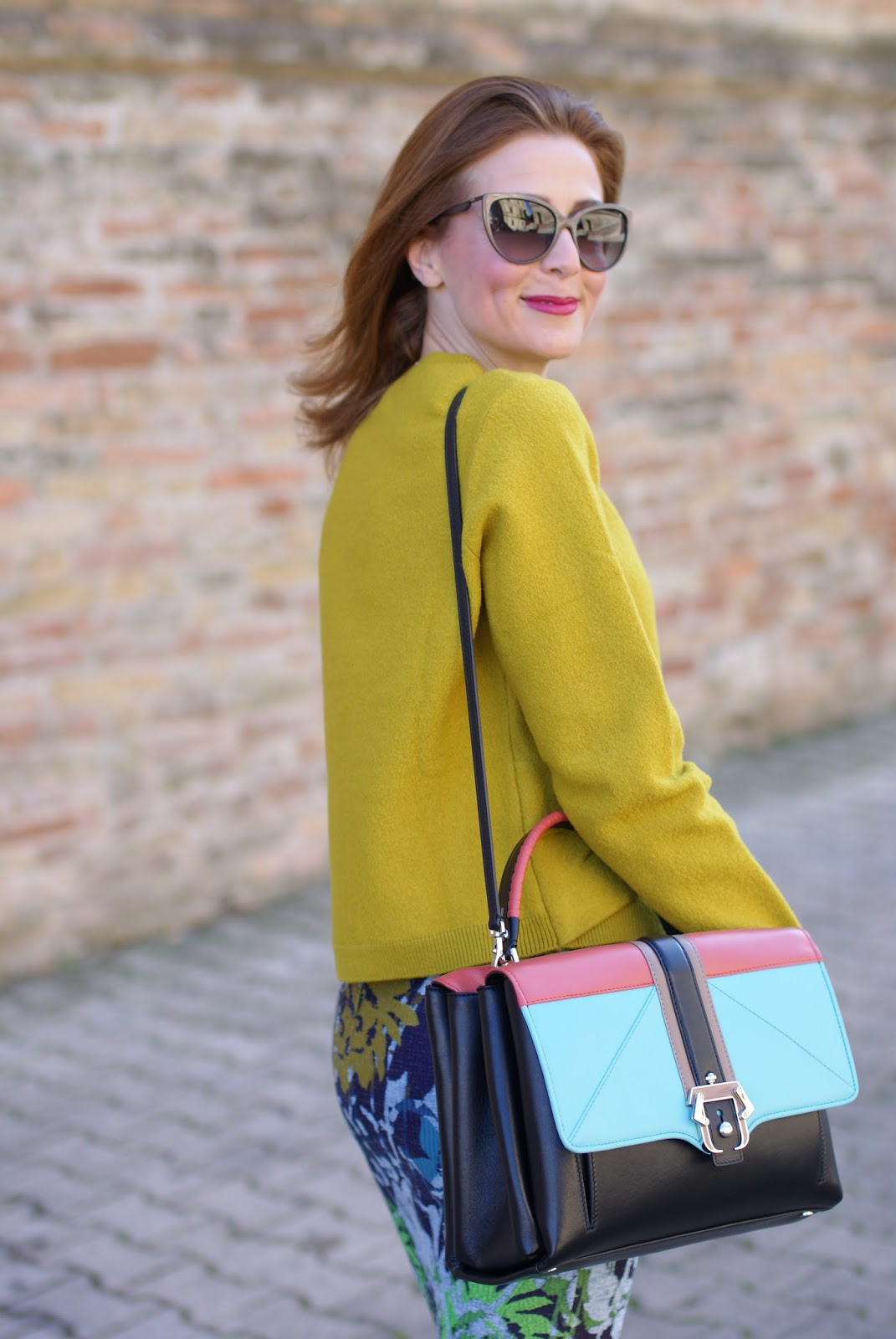 Lime yellow sweater and Paula Cademartori bag on Fashion and Cookies fashion blog, fashion blogger style