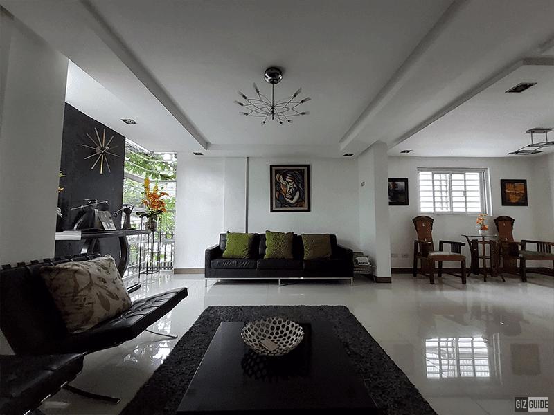 Rear ultra-wide camera indoor