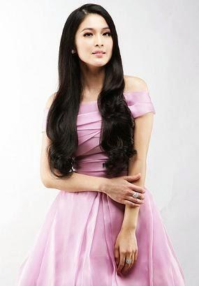 Sandra Dewi Yang Memikat