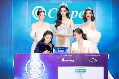 Trưởng BTC MWVN Bà Phạm Kim Dung ký kết hợp đồng cùng Bà Phạm Tâm Thanh – Giám đốc truyền thông Công ty cổ phần Casper Việt Nam