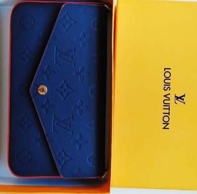 Louis Vuitton Wallet Review - High Quality Appearance with Incredible Of Wallet.