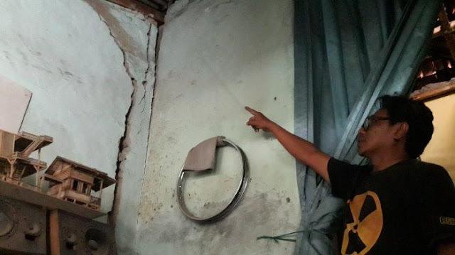 Puluhan Rumah Rusak Berat Akibat Ledakan Proyek Kereta Cepat Indonesia - China