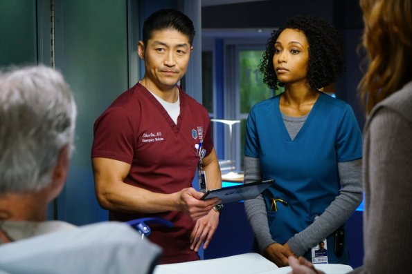 "NUP 186733 0021 595 - Chicago Med (S04E22) ""With a Brave Heart"" Season Finale"
