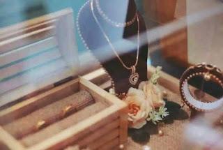 seserahan pernikahan perhiasan