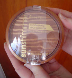 Rimmel's Shimmering Maxi Bronzer.jpeg