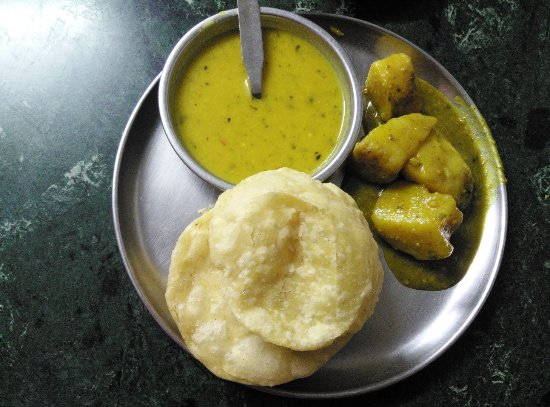 Putiram Sweets Kochuri and Cholar Daal