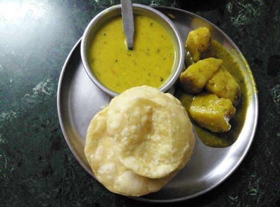 Putiram Sweets Kochuri and Cholar Daal