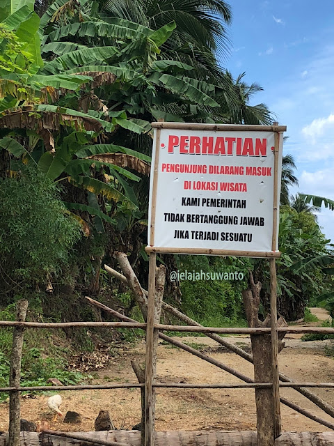 Mengecewakan, informasi penutupan Pantai Mahemanbang yang kurang jelas | © jelajahsuwanto