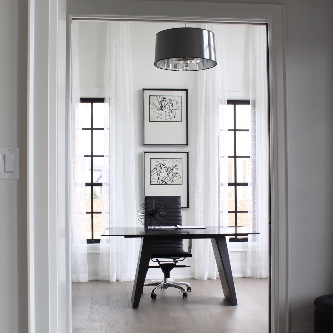 Striking Black and White Interior Design