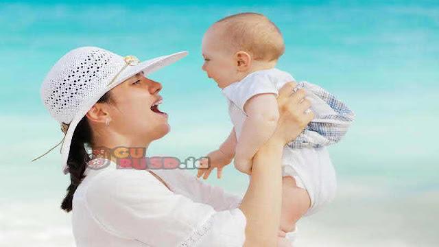 4 Tanda Bayi yang Punya Kecerdasan Tinggi, Amati Siklus Tidurnya hingga Ocehannya Saat Diajak Bicara