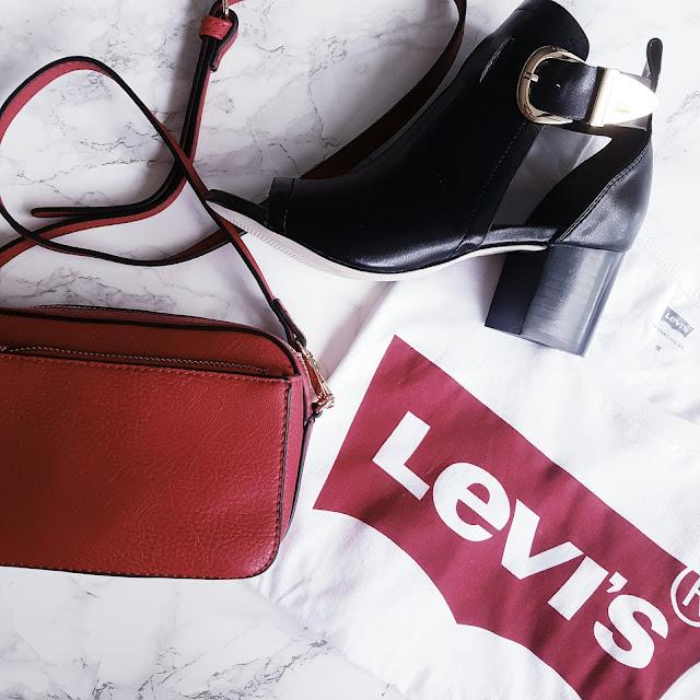 Flat Lay Leanne Marie Blog