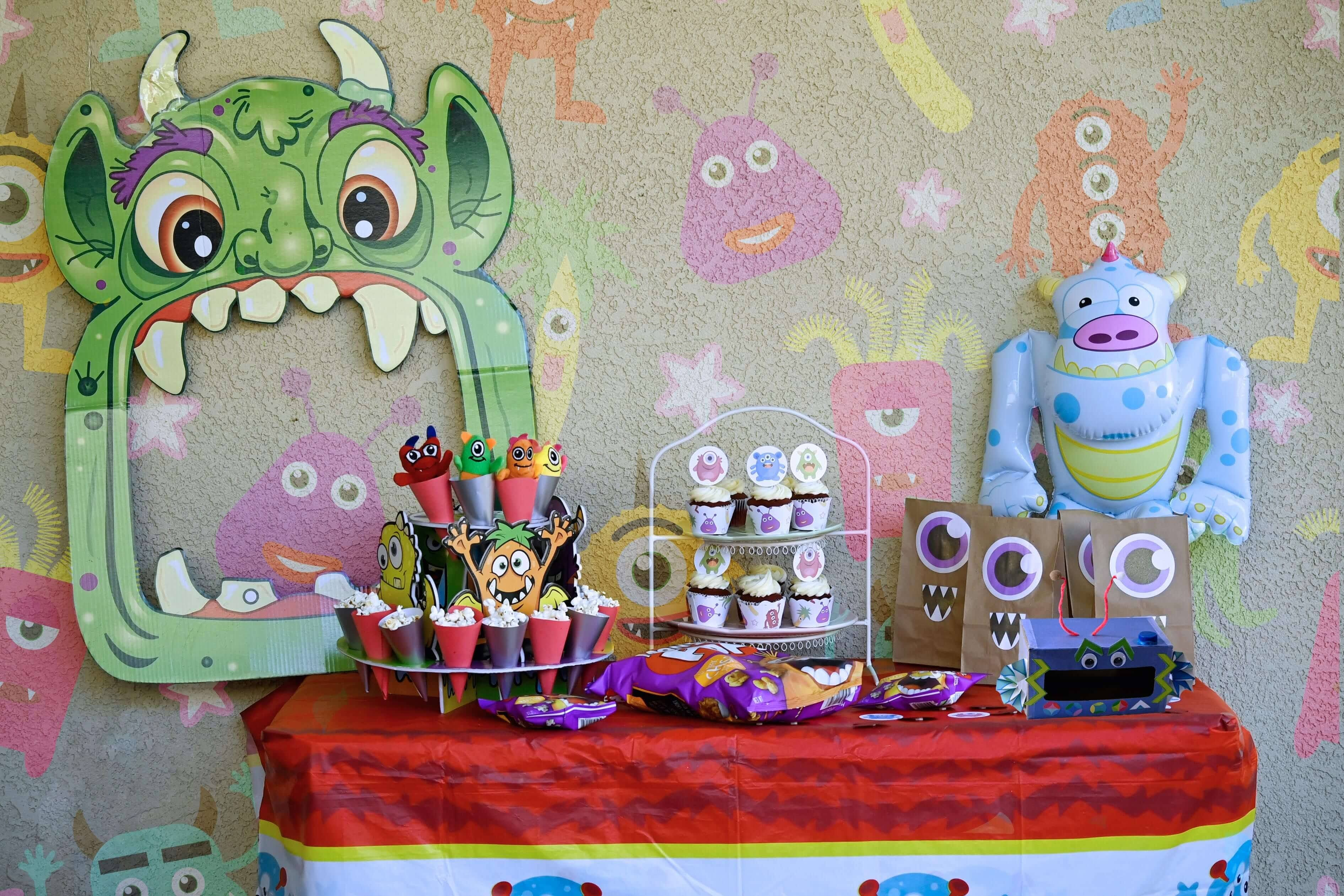 Monster pop party