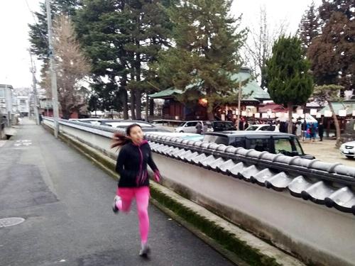 恒例の元旦走り初め☆神社の外から初詣