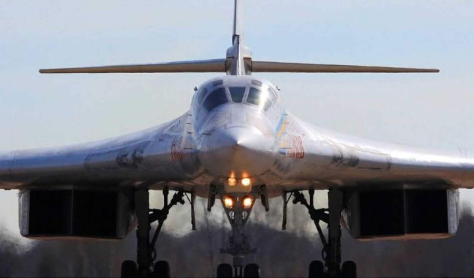 Pesawat bomber Tu-160 Rusia terbang ke Venezuela
