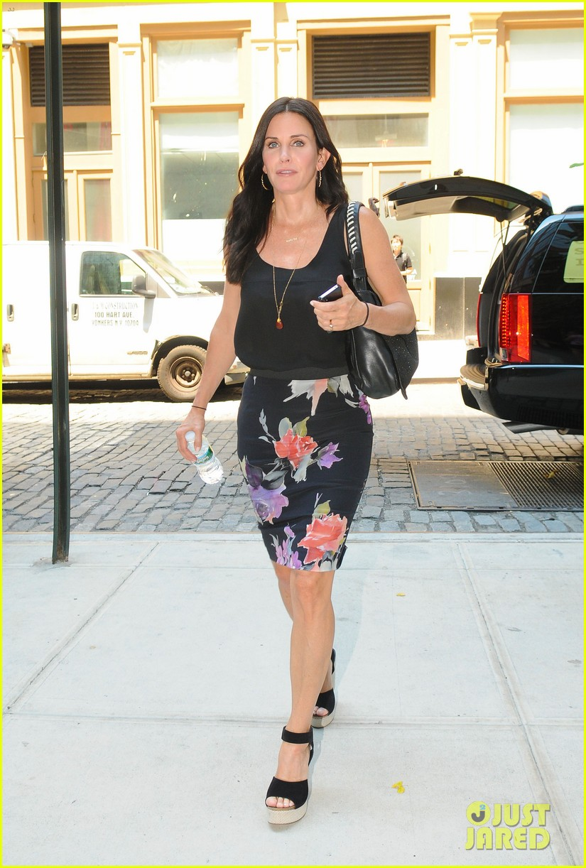 Beautiful Actress Portal Courteney Cox Leaving The Studios Of Good Morning America In -3531
