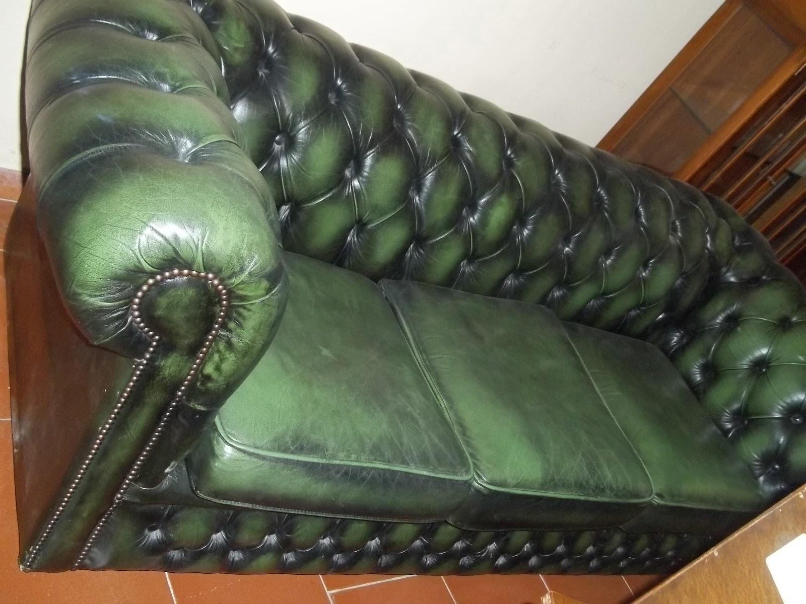 M a g antichit divano chester verde for Divano in inglese