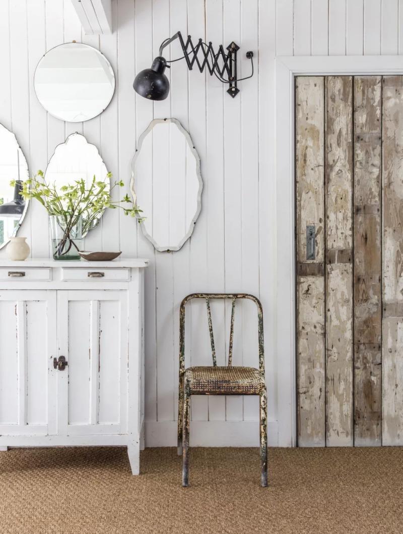 Decorare la casa con una collezione di specchi