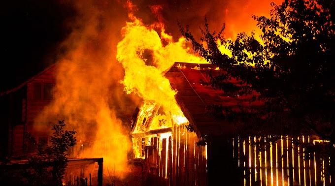 Halálos lakástűz: kigyulladt egy családi ház, egy ember bent égett