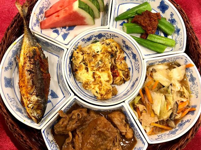 Makan Asam Pedas Kepala Ikan Di Bibik's Kitchen, Teringat Arwah Emak Aku