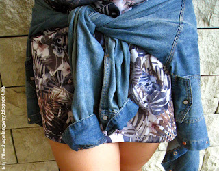 chambray shirt, denim, tying it at the waist, chic, graphic print dress, close up