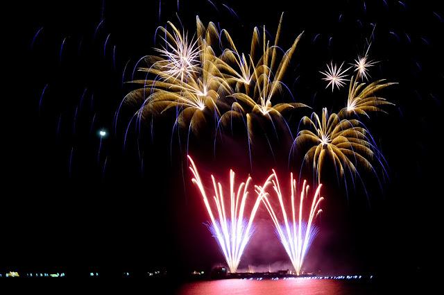 display-of-fireworks-manila-bay