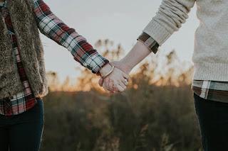 Lakukan 5 hal ini untuk menguji cinta pasangan Anda