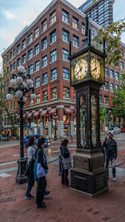 Steam grate covered by Gastown clock in Vancouver. BC, Canada Gastown Steam Clock covers steam grate and whistles the hours in Vancouver