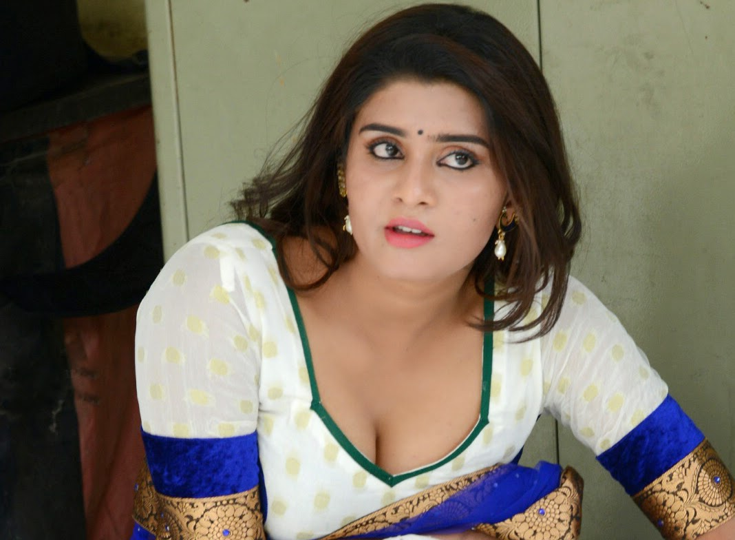 Mallu Aunty Bra Removing
