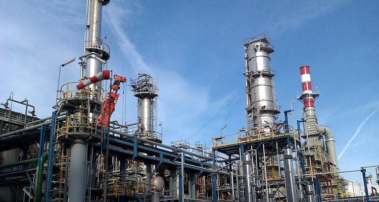 Los ingenieros químicos son requeridos en plantas industriales
