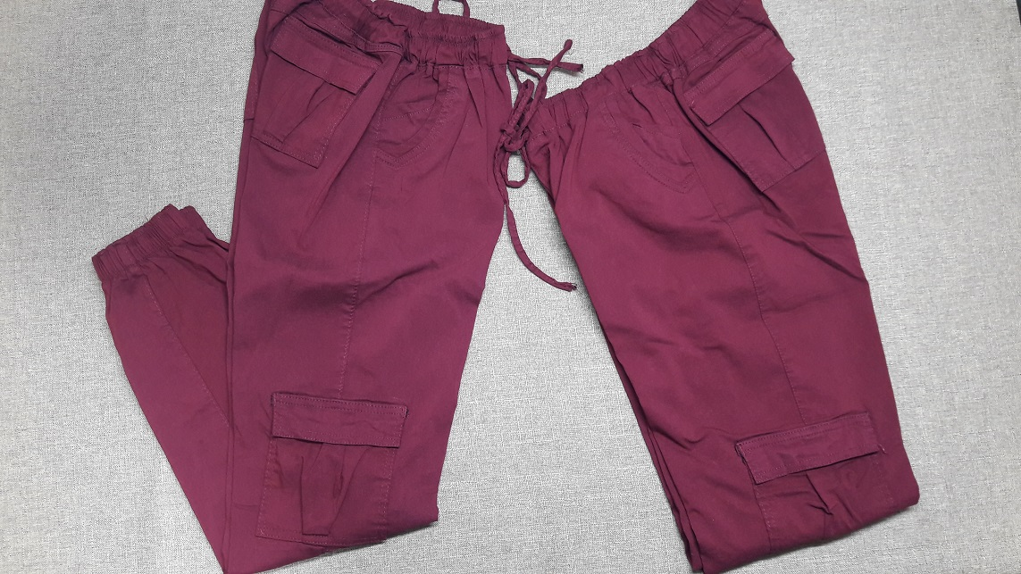 Modelo # 44 Pantalon Tipo Cargo, Gabardina Stretch,